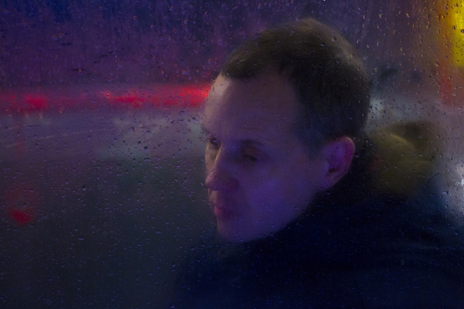 nick-turpin-on-the-night-bus-aka-through-a-glass-darkly-31